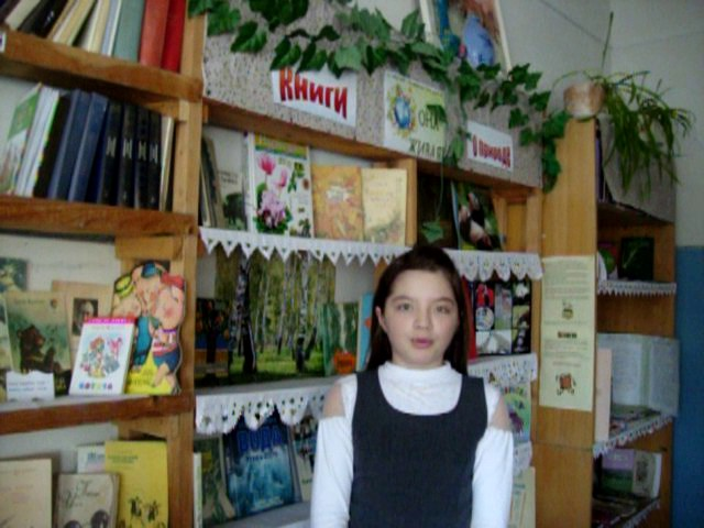 Изображение предпросмотра прочтения – ЕкатеринаБаранова читает произведение «Есть в осени первоначальной...» Ф.И.Тютчева