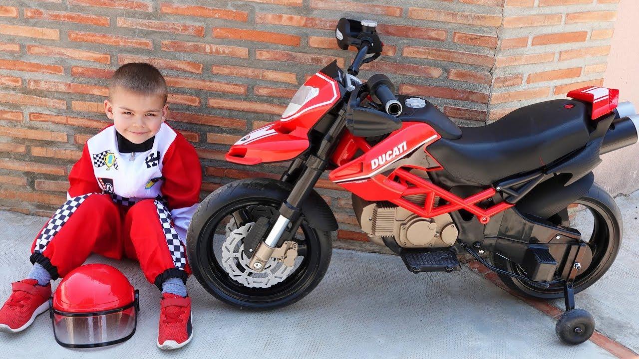 Dima unboxing the power wheels - ride on new sport bike Ducati