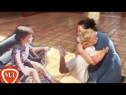 ДЕТИ ПУГАЧЕВОЙ И ГАЛКИНА: Лиза равным образом Гарик свели  со ума тетку Хиблу! Юрмала, 0017
