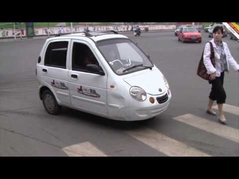3 wheeled cars aren 39 t chick magnets funnydog tv. Black Bedroom Furniture Sets. Home Design Ideas