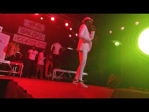 "Watch legendary suni perform ""Taiye"" at DJ Blizz street concert"