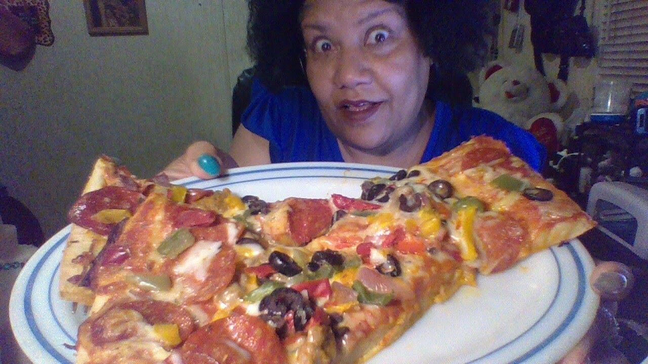 Pizza Time a little conversation #Mukbang #ASMR #tastysensation #먹방 💋