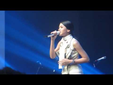 Maudy Ayunda - Perahu Kertas - One Diaspora Love Concert 2017