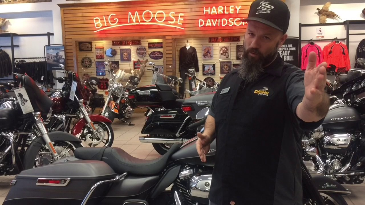 Harley Davidson Portland >> 2017 Harley-Davidson Ultra Limited with a detachable tour pack - YouTube