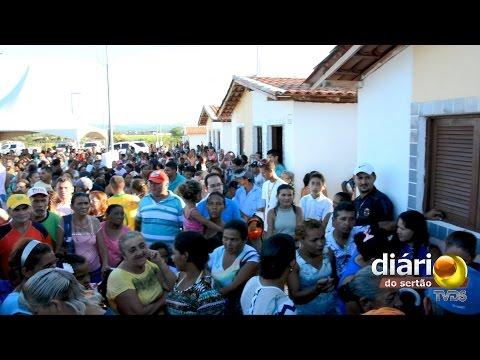 Ricardo entrega unidades habitacionais na cidade de Sousa