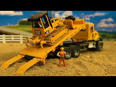 Stunning Truck Construction Site Action, Bruder RC Bulldozer In Action!