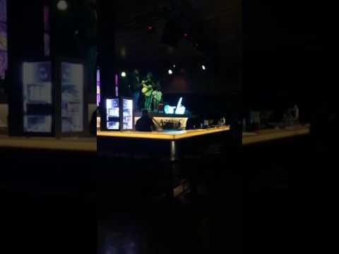 Live music.....hyderabad night life😍