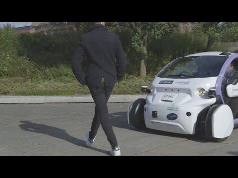 Driverless cars show their skills avoiding pedestrians in UK