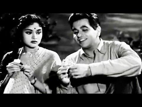 Dilip Kumar, Vyjayantimala, Paigham - Romantic Scene 9/19