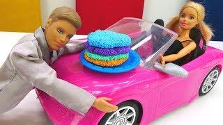 Кто подарил Барби машину? Игры для девочек с куклами