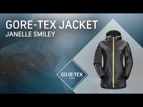 Janelle Smiley Tests a GORE-TEX SHAKEDRY™ Jacket