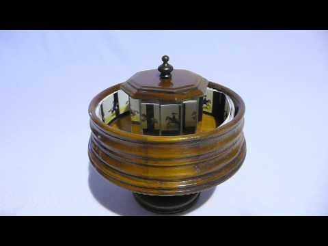 Wooden musical praxinoscope - Handmade toy