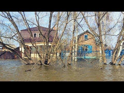 Прорыв дамбы в Сардобинском водохранилище в Узбекистане. Затопленные дома и тысячи эвакуированных