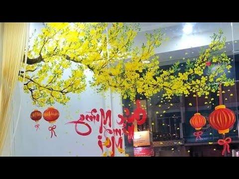 Vẽ cành mai vàng trên cửa Kính Ngân Hàng Đại Chúng_Quận 5/Cận cảnh chi tiết cách vẽ hoa ma0947213776