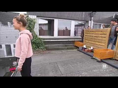 Lina will vom Dach springen - Köln50667