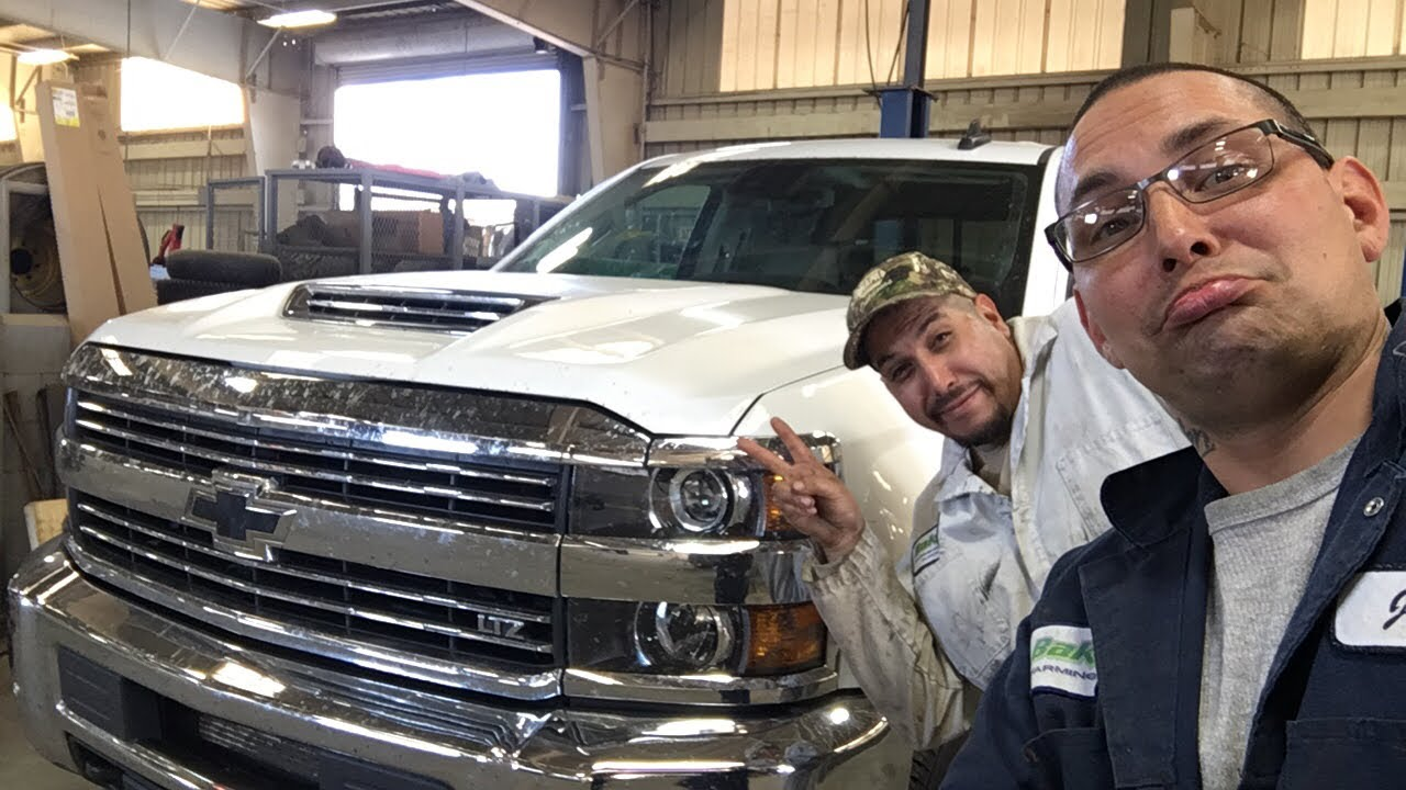 How to change fuel filter 2017 CHEVY DURAMAX 2500 HD LTZ - YouTubeYouTube