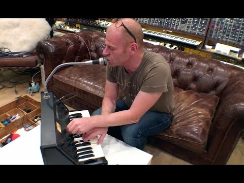 KORG Vocoder VC10 - Gear of the Week (Junkie XL)