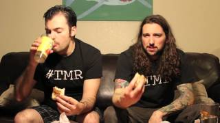 Taco Bell Grillers Chipotle Ranch Chicken & Chili Cheese Fries- The Two Minute Reviews- Ep 202 #tmr