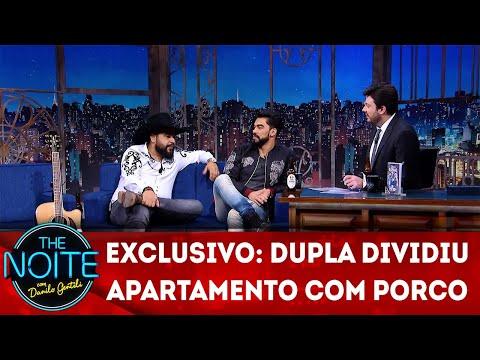 Exclusivo para Web: Léo e Raphael dividiram apartamento com um porco | The Noite (08/05/18)