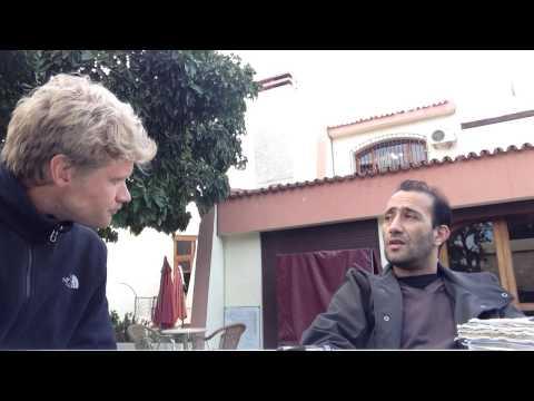 Blonde Nederlander spreekt Marokkaans-Arabisch - Blond Dutch guy speaks Moroccan-Arabic