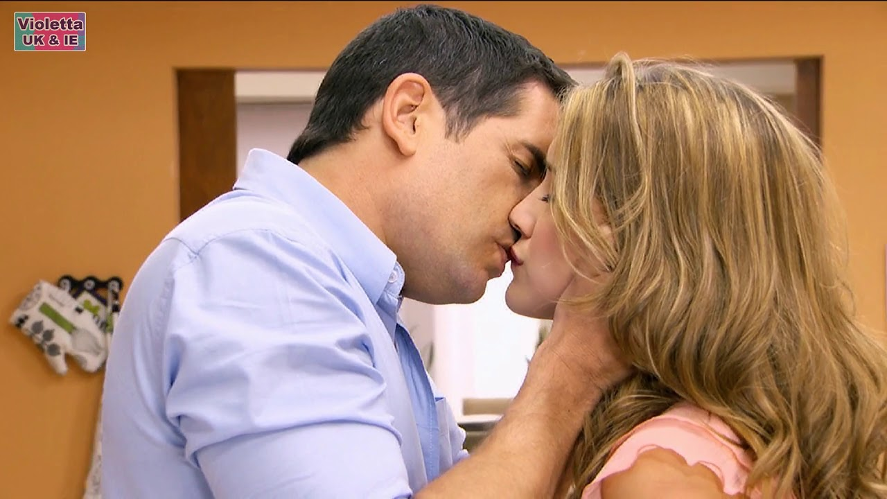 Violetta 1 | Herman kiss Angie! - YouTube