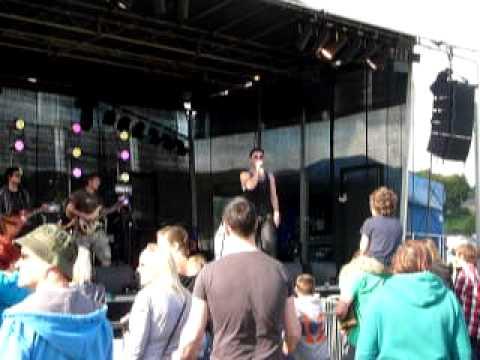 Take the seven &39;Burnout&39; Mychoone  Festival