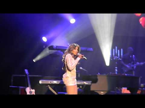 Toni Braxton - How Many Ways (live in Brooklyn)