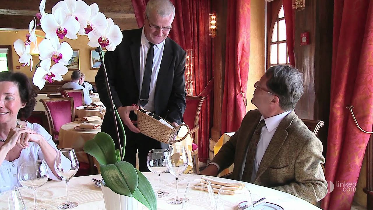 La cha ne d 39 or h tel restaurant les andelys 27 youtube for Chaine hotel restaurant