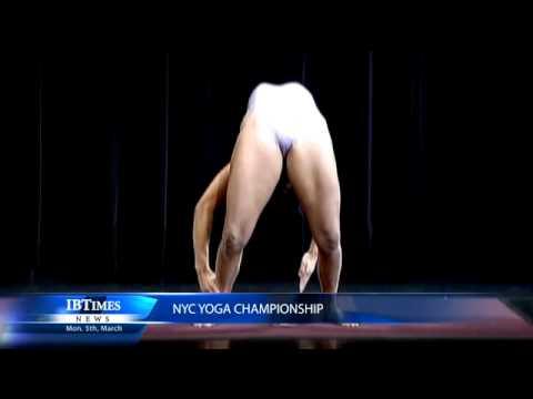 Nudisten yoga
