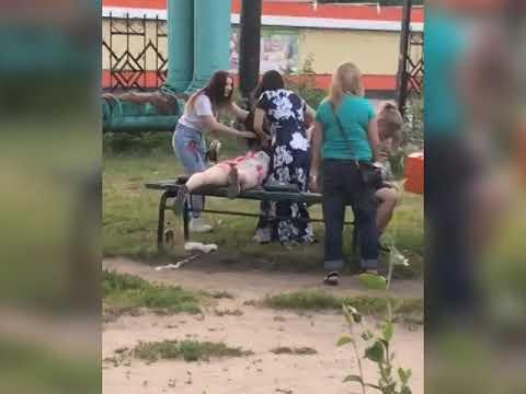Девочки дерутся в парке днем, Блокнот Россоши, июнь 2019