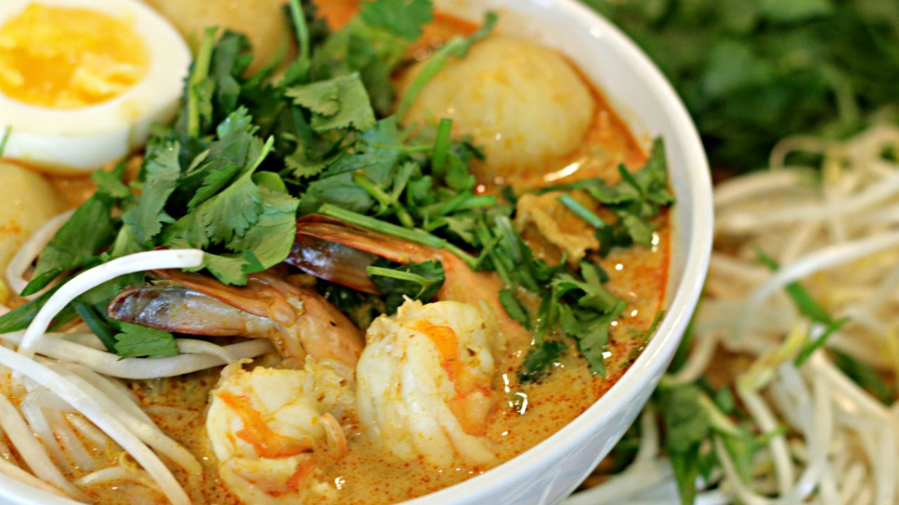 Coconut curry seafood laksa recipe malaysian food youtube forumfinder Image collections
