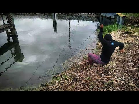 Magnet fishing unusual finds canal treasure youtube for Magnet fishing finds