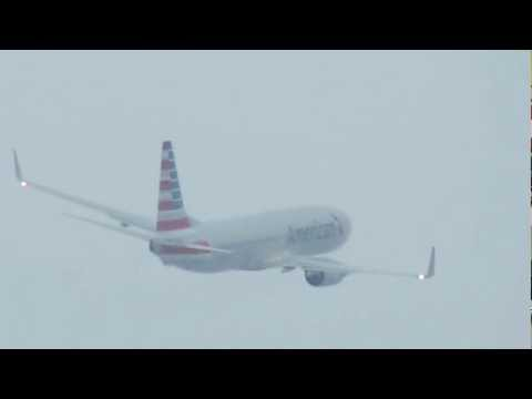 American Airlines' NEW LIVERY flagship Boeing 737-823 departs KORD Chicago [02.04.2013]