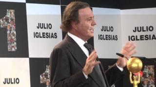 Julio Iglesias en su despedida pública junto a Rafa Nadal