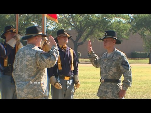 Fort Hood celebrates Army's first Vietnamese-born General