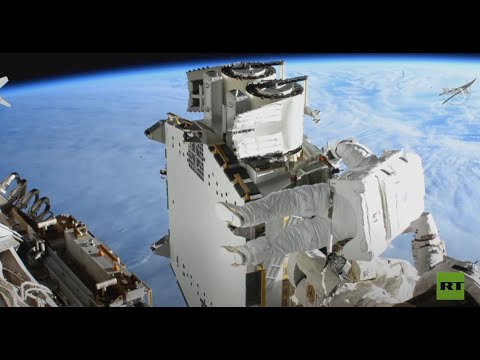 رائدا فضاء يركبّان ألواحا شـمسية في الفضاء المفتوح  - نشر قبل 17 دقيقة