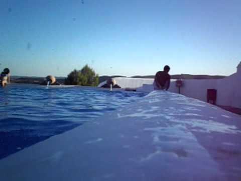 saltos en la laguna (cañaveral de leon)