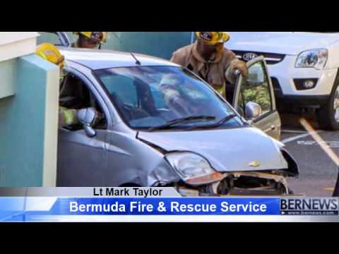 Fire Service Extracts Woman Following Crash, Nov 7 2013