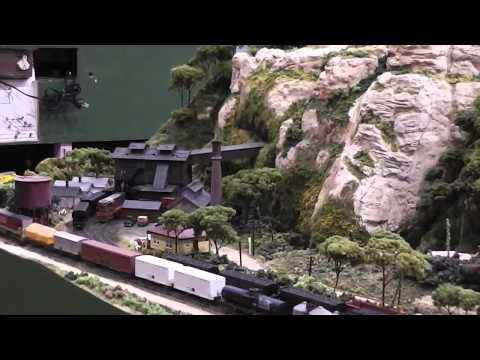The BIG Model Train Show 2013. Scale model railway displays, great details and locomotion.
