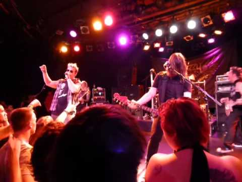 Fozzy with M. Shadows- Sandpaper. The Roxy, Hollywood CA