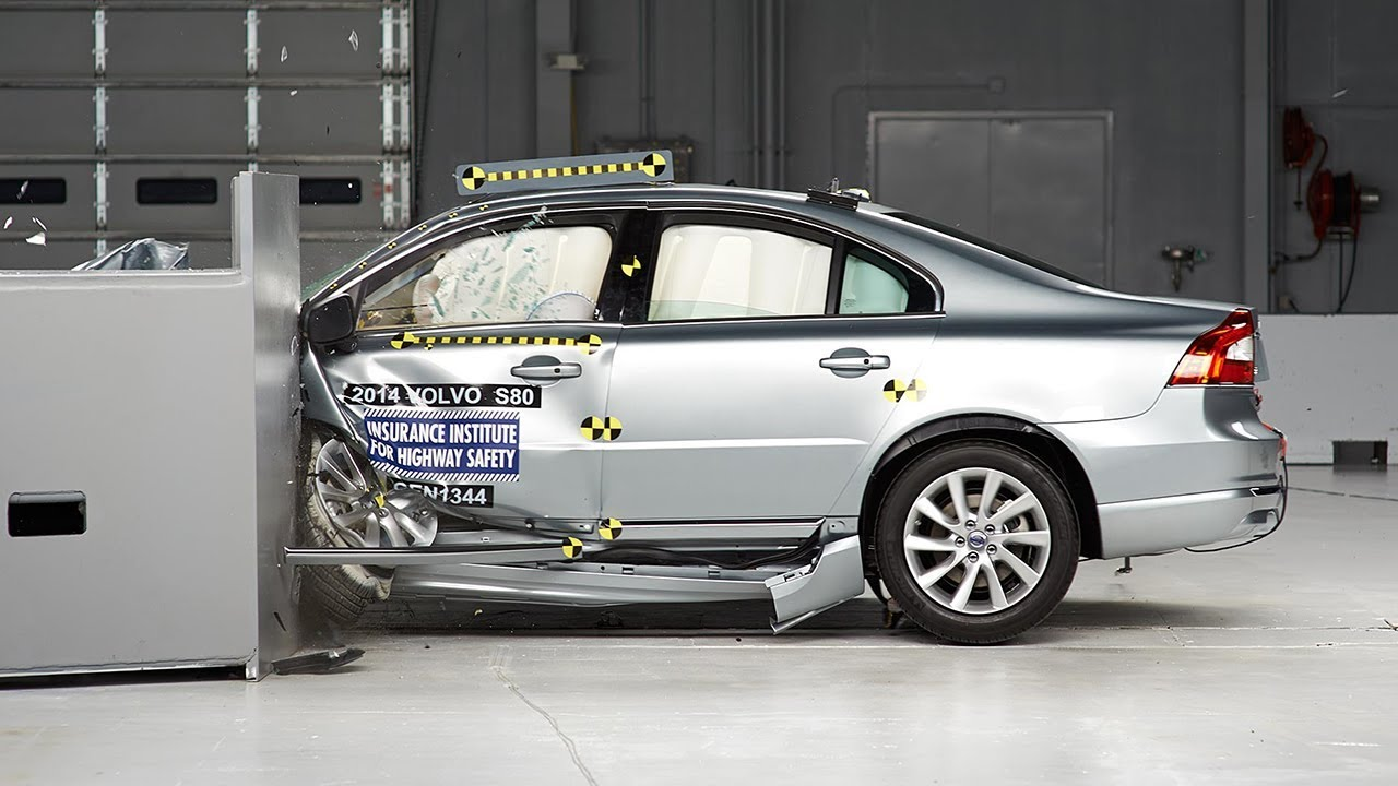 Volvo S80 2017 >> 2014 Volvo S80 driver-side small overlap IIHS crash test ...