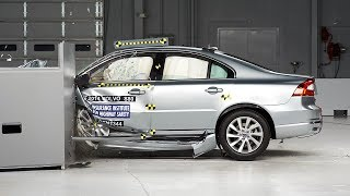 2014 Volvo S80 driver-side small overlap IIHS crash test