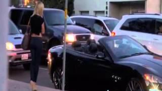 ვის უჯდება გოგო მანქანაში?