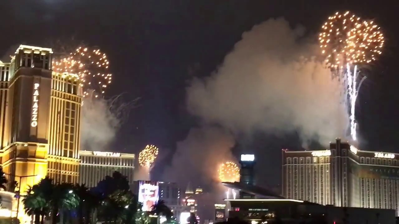 happy new year 2017 from the las vegas strip