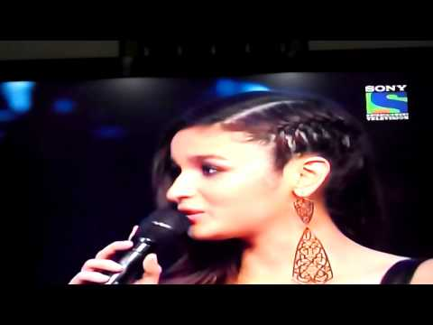 Alia bhatt won her first Filmfare award