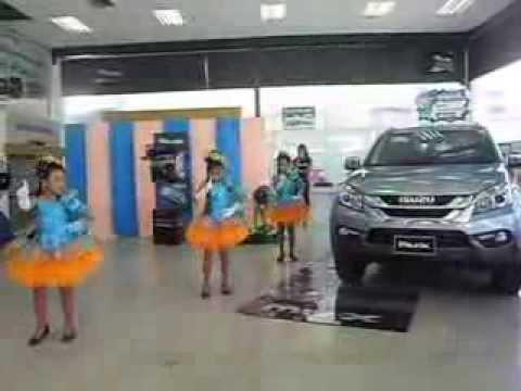 ไตเติลตีสิบ เต้น&ร้อง เปิดตัวรถอีซูซุรุ่นใหม่ MU-X ที่ศูนย์อีซูซุนครนายก