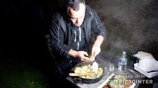 Сочные рёбра молодого баранина и картофельное пюре на мангале