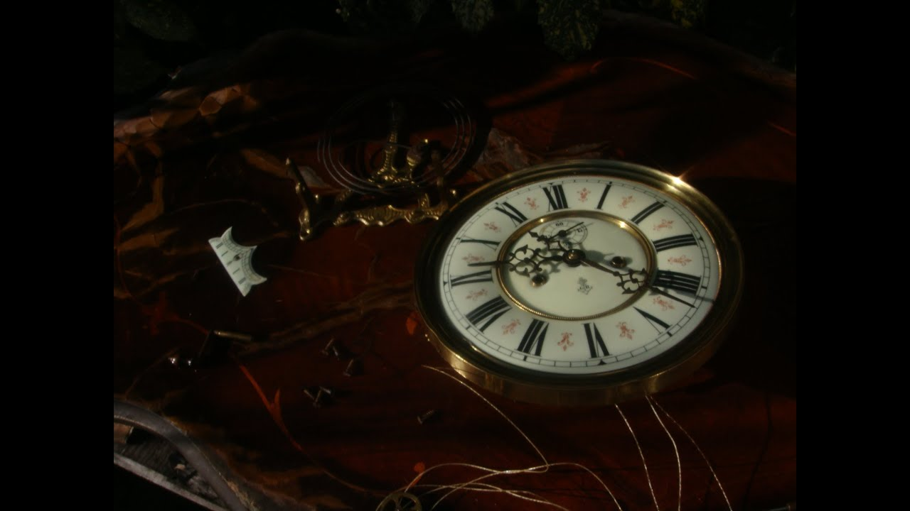 Antique Old Gustav Becker Fleur De Leys Vienna Wall Clock Movement
