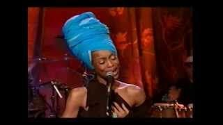 Erykah Badu   Bag Lady LIVE