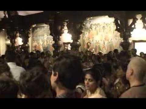 Govardhan Puja - Kirtan by Urjasvat Prabhu